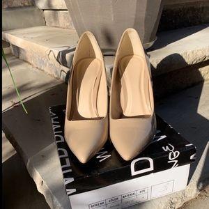 🌸HOST PICK 🌸 Nude heels
